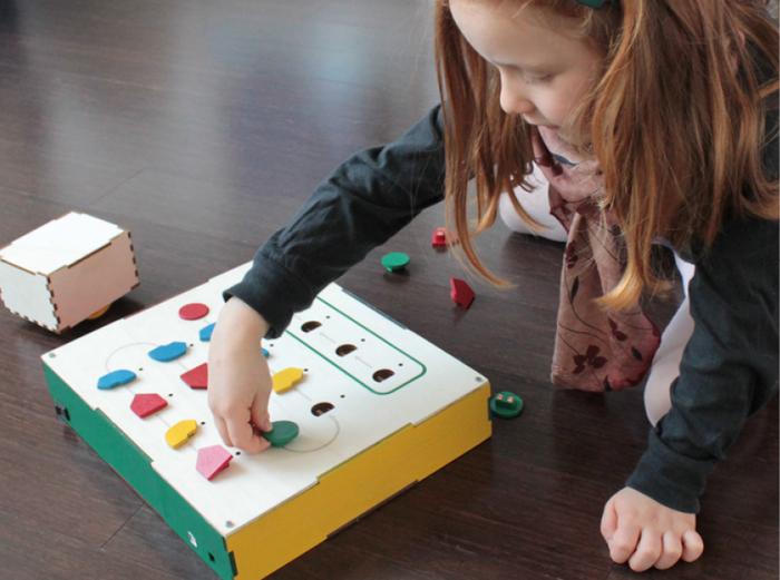 10 moyens de sensibiliser vos enfants au code de manière ludique.
